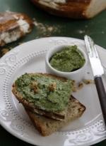 Sosy i pasty: Pesto z orzechów laskowych